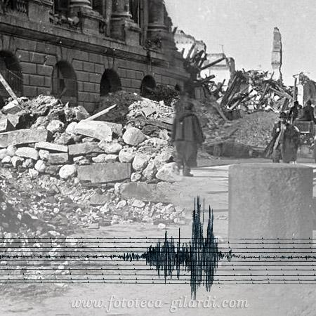 La banchina di Messina devastata dal terremoto, 1908 elaborazione ©Fototeca Gilardi