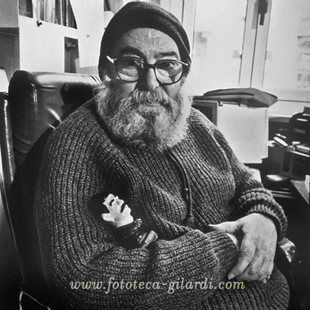 Ando Gilardi (1921-2012) ritratto di Mauro Montanari per la mostra 'Al di là del ritratto', 1990 ©FototecaGilardi/Mauro Montanari