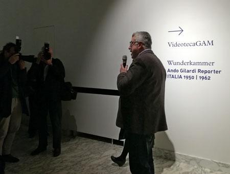 Riccardo Passoni, direttore della Galleria d'Arte Moderna, inaugura la mostra Ando Gilardi Reporter - Wunderkammer GAM Torino 2019