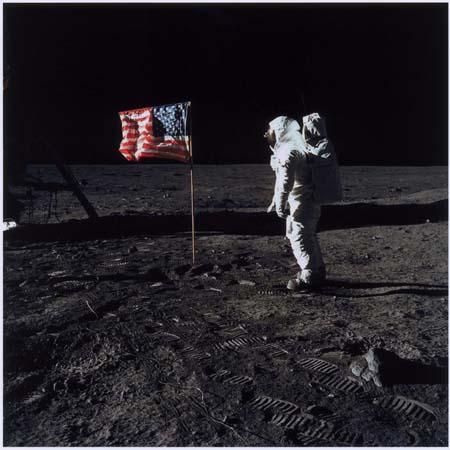 NASA Buzz Aldrin sulla Luna, 20 luglio 1969, Stampa digitale dall'originale, Musée de l'Élysée, Losanna. © NASA, Washington, D. R.